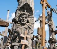 SIAULIAI, LITUÂNIA - 12 DE JULHO DE 2015: O monte das cruzes Imagem de Stock Royalty Free