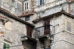 Sibenik specificerar den gammala staden, Royaltyfri Bild