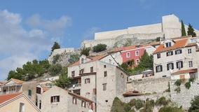 Sibenikstad op Dalmatische Kust, Kroatië Europa stock video