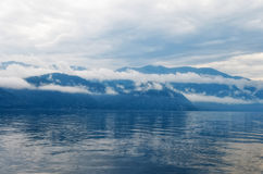 siberia Teletskoe sjö, sikt av den östliga kusten Royaltyfri Fotografi