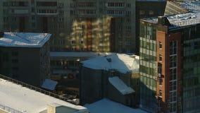 Siberisch gemeentelijk landschap in de winter stock video