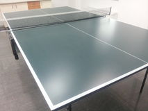 Sibile o azul de céu da esfera do pong da pá e do sibilo do tênis de Pong Imagem de Stock Royalty Free