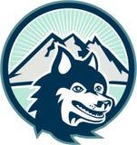 Sibirier Husky Dog Head Mountain Retro Stockfoto