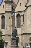 Sibiu, am 16. Juni: Statuenfront der evangelischen Kirche vom Stadtzentrum von Sibiu in Rumänien Lizenzfreie Stockbilder