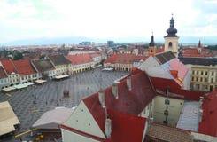 Sibiu miasta główny kwadrat - dziejowy centrum transylvanian miasteczko obrazy stock