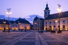Sibiu-Mitte bis zum Nacht Stockfotografie