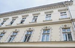 Sibiu, Romênia: Detalhes de construções velhas próximo na cidade Foto de Stock Royalty Free