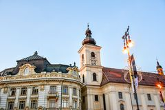 SibiuHermanstadt, Ρουμανία τη νύχτα στοκ εικόνες