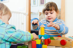 Sibling playing in blocks Royalty Free Stock Images