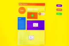Sich entwickelnde Internetseite WebsiteKonzept des Entwurfes Elemente, Blöcke, Instrumente, Werkzeuge für machen Standort auf Gel Stockbild