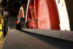 Sich fortbewegende rote Räder Stockfotos