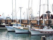 Sich hin- und herbewegende Boote an pier39, vereinigtes staats- 20. Juli 2016: , USA - Stockbild