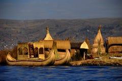 Sich hin- und herbewegende Insel auf Titicaca-See in Peru Lizenzfreies Stockbild