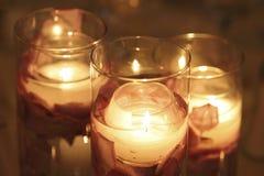 Sich hin- und herbewegende Kerzen Stockfotos