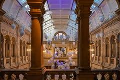 Sich hin- und herbewegende Kopf-Installation durch Sophie Cave Kelvingrove Museum- u. Kunstgalerie Glasgow Scotland lizenzfreies stockbild