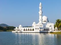 Sich hin- und herbewegende Moschee bei Kuala Terengganu Stockfotografie