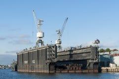 Sich hin- und herbewegender Drydock St Petersburg Stockbilder
