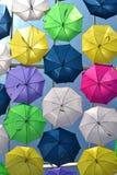 Sich hin- und herbewegender Regenschirm Lizenzfreies Stockbild