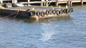Sich hin- und herbewegendes Dock stock video footage