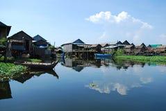 Sich hin- und herbewegendes Dorf Stockbilder