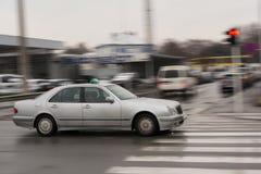 Sich schnell bewegende Autos - Abwischeneffekt Lizenzfreie Stockbilder