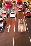 Sich schnell bewegende Autos nachts Stockbilder