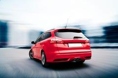 Sich schnell bewegende Autowinterversion Stockfotos
