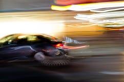 Sich schnell bewegendes Auto Stockfotos