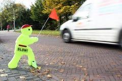 Sich schnell bewegendes Auto der KindVerkehrssicherheit-Puppe Lizenzfreie Stockfotos