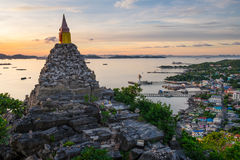 Sichang海岛,帕塔顶视图美好的早晨日出的 库存图片
