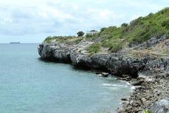 Sichang de la roca de la costa de los acantilados Imágenes de archivo libres de regalías