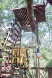 Sicherheitsausrüstungen für kletternden Baum Lizenzfreies Stockfoto