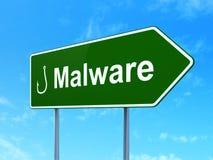Sicherheitskonzept: Schadsoftware-und Fischerei-Haken auf Verkehrsschildhintergrund Lizenzfreie Stockfotos