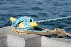Sicherheitsseil eines Bootes Stockfoto
