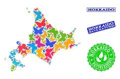 Sicherungsnatur-Collage der Karte von Hokkaido-Insel mit Schmetterlingen und strukturierten Stempeln lizenzfreie abbildung