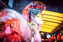 Sichuan πρόσωπο-μεταβαλλόμενη ηθοποιός οπερών σε Chengdu στοκ εικόνα
