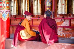 SICHUAN, CHINA - MAY 4 2016: Monks at Larung Gar Lamasery Larung Gar Buddhist Academy, Local landmark holy site in Seda, Ganzi, Royalty Free Stock Photography