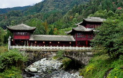 Sichuan Province, China: Mountainside Chinese House Royalty Free Stock Images