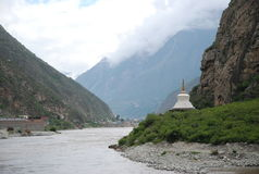 Sichuan River. Scenic view of Sichuan river in Tibet with mountains in background Stock Photos