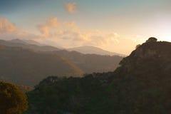 Sicilia-Berge an der Dämmerung stockbild