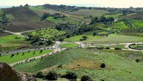 Siciliaans platteland diep in het midden van Italiaans Eiland stock videobeelden