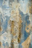 Siciliaanse Muurachtergrond: Ruwe blauw-wit-Gele Gipspleistertextuur Stock Foto's