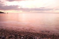 Siciliaanse Overzees bij zonsopgang Royalty-vrije Stock Afbeeldingen