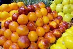 Siciliaanse rode sinaasappelen op vertoning Royalty-vrije Stock Foto