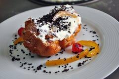 Sicilian bageri Traditionell bakelsesfinci di San Giuseppe royaltyfria foton
