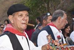Sicilian män i traditionell klänning Arkivbild