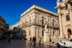 Sicilien SYRACUSE, ITALIEN - Oktober 06, 2012 Vermexio slott i Syracuse Royaltyfri Bild