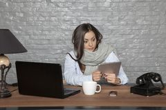 Sick business woman surprised by news from the internet. Portrait of a business person Royalty Free Stock Photography