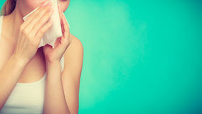 Free Sick Woman Using Paper Tissue, Headcold Problem Royalty Free Stock Images - 84235079