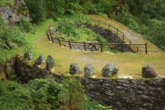 Sicksackväg i berg Royaltyfria Bilder